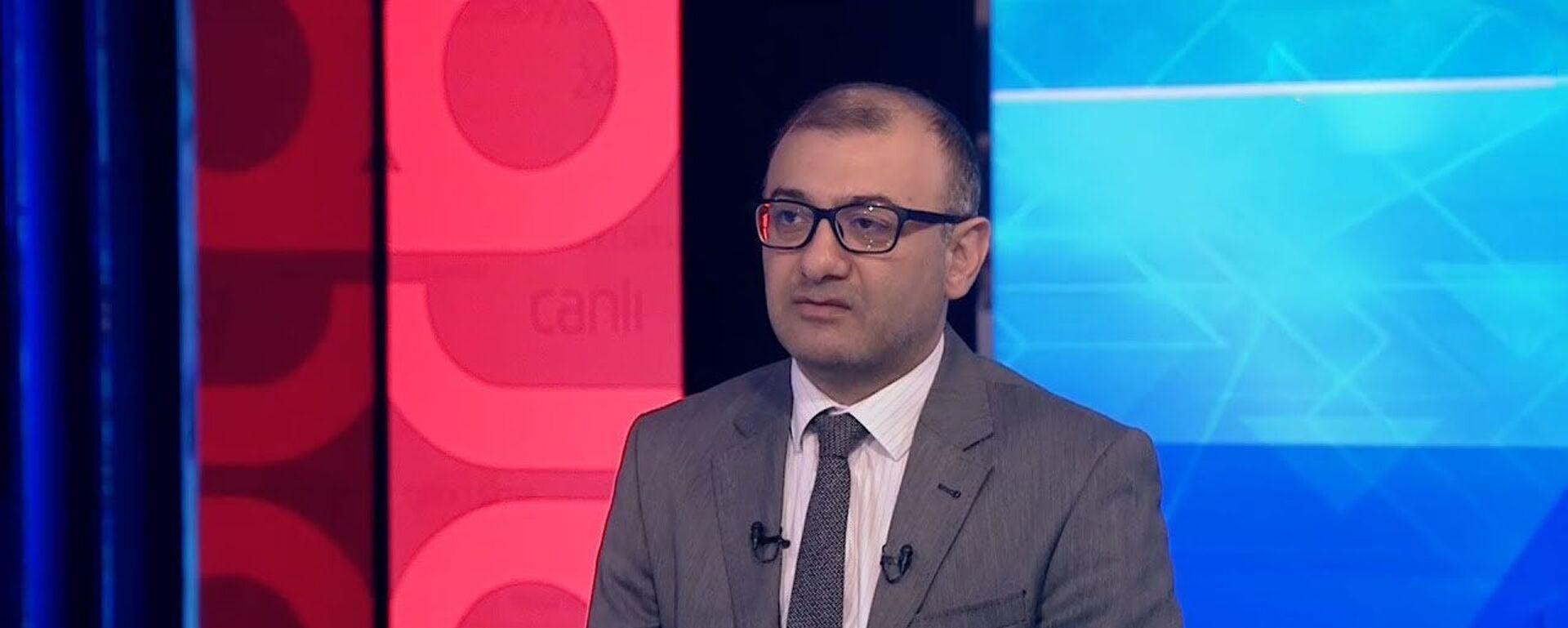 Avtonəqliyyat üzrə ekspert Eldəniz Cəfərov - Sputnik Азербайджан, 1920, 10.08.2021