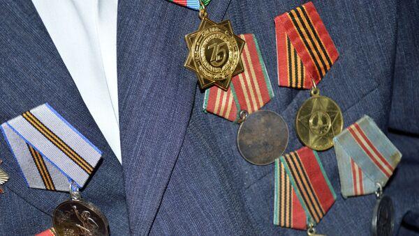Боевые награды и юбилейные медали ветерана Великой Отечественной войны Джаннета Теймурова - Sputnik Azərbaycan