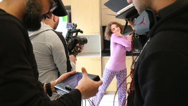 Кадры со съемок короткометражного фильма Etirafın dörd mərhələsi («Четыре этапа признания»)  - Sputnik Азербайджан