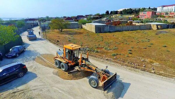 Дорожные работы в Пираллахинском районе Баку - Sputnik Азербайджан