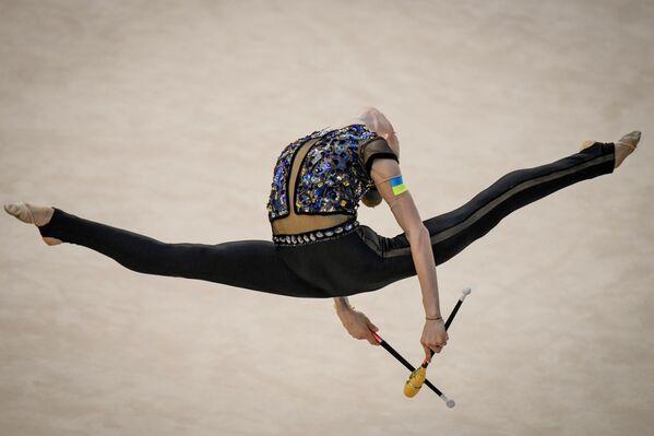 Украинская гимнастка Виктория Оноприенко - Sputnik Азербайджан