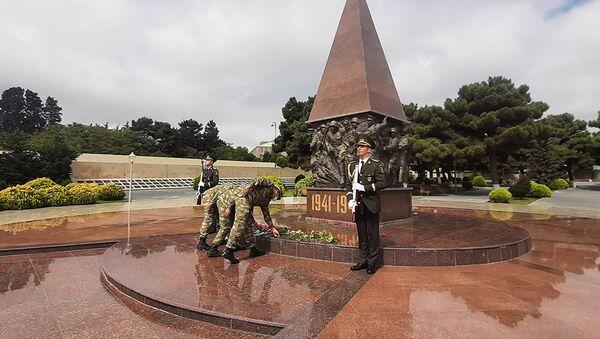 В Азербайджанской Армии проведены мероприятия по случаю 76-й годовщины Победы - Sputnik Азербайджан