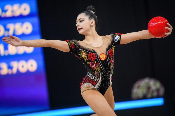 Российская гимнастка Лала Крамаренко - Sputnik Азербайджан
