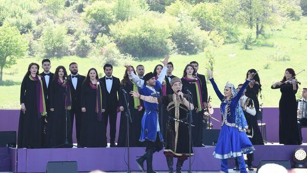 Открытие фестиваля «Харыбюльбюль» в Шуше - Sputnik Азербайджан