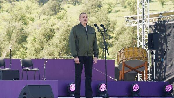 Президент Ильхам Алиев в Шуше - Sputnik Азербайджан