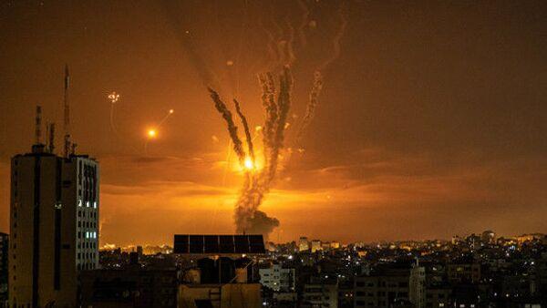 Новые авиаудары и жертвы: что сейчас происходит в секторе Газа - Sputnik Азербайджан