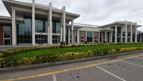 Здание аэропорта города Гянджа - Sputnik Azərbaycan