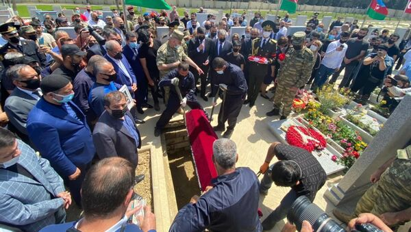 Похороны шехида Тебриза Ибрагимова - Sputnik Азербайджан