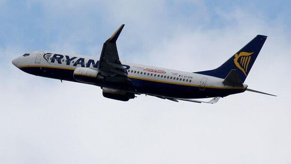 Самолёт авиакомпании Ryanair, фото из архива - Sputnik Азербайджан