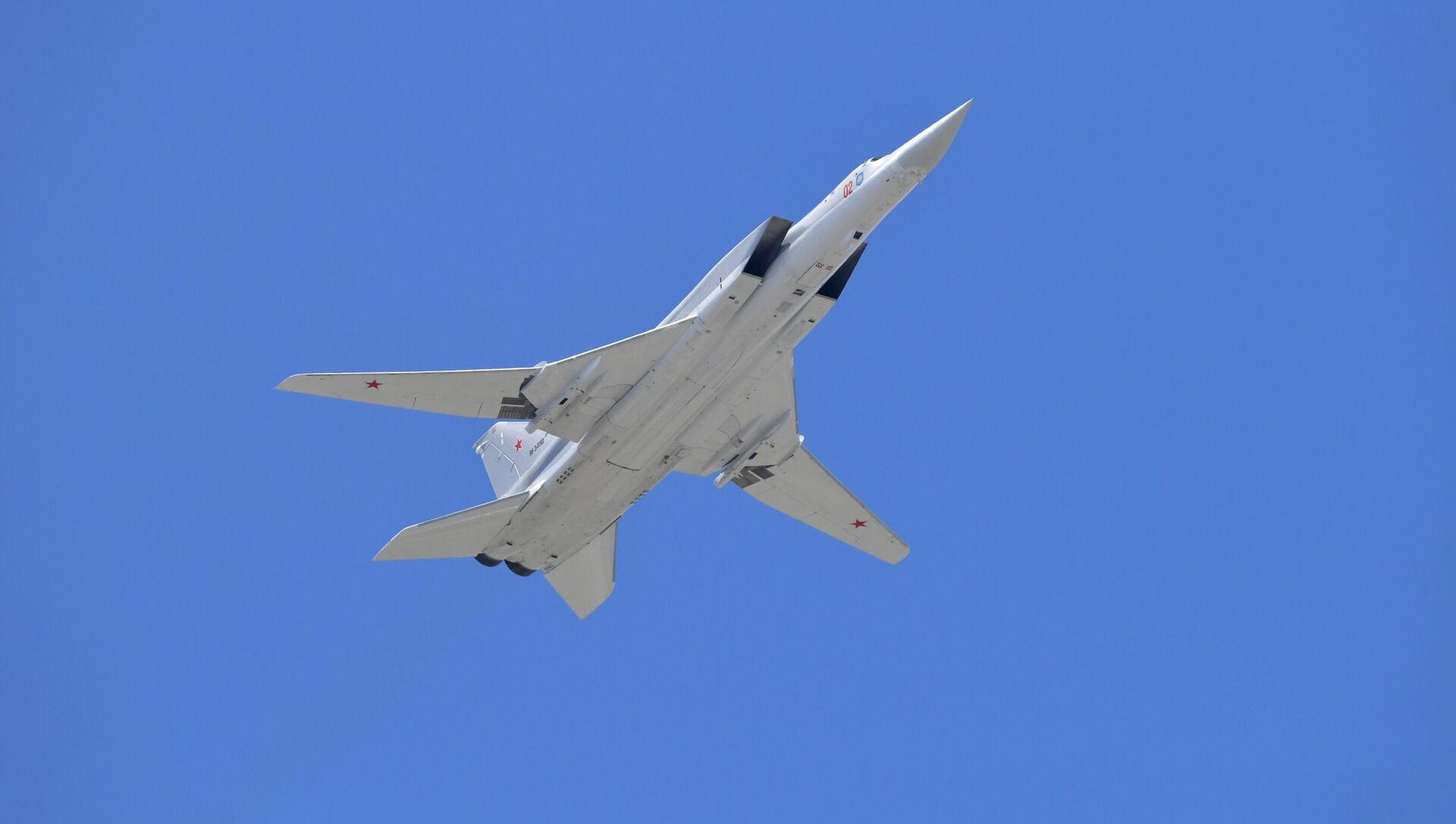 Tu-22M3 bombardıcı - Sputnik Азербайджан, 1920, 26.05.2021