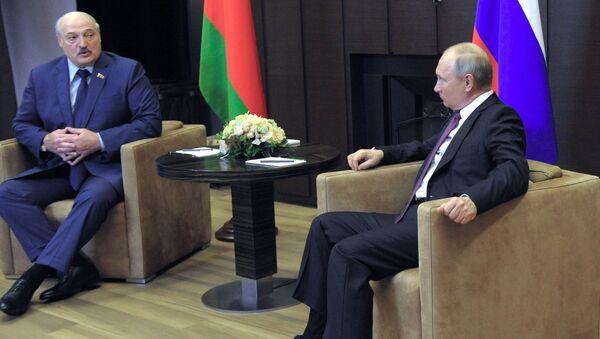 Президент РФ В. Путин встретился с президентом Белоруссии А. Лукашенко - Sputnik Азербайджан