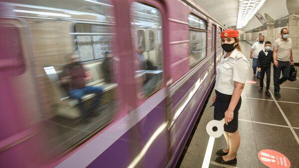Открытие метро в Баку, который был закрыт из-за коронавируса, 31 мая 2021 года. - Sputnik Азербайджан