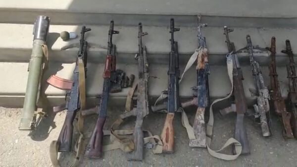 Обнаруженные запасы вооружения и боеприпасов армии Армении освобожденном от оккупации Ходжавендском районе - Sputnik Азербайджан
