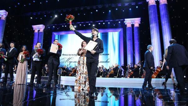 Заслуженный артист Азербайджана, лауреат международных конкурсов Ильхам Назаров - Sputnik Азербайджан
