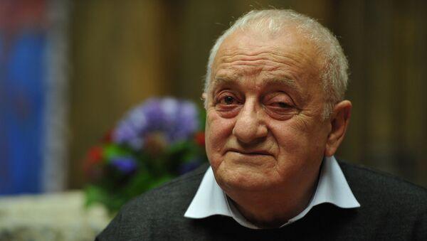 Грузинский художник, скульптор Резо Габриадзе, фото из архива - Sputnik Азербайджан