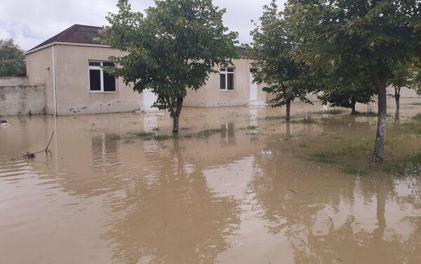 Последствия наводнения в Геранбое - Sputnik Азербайджан