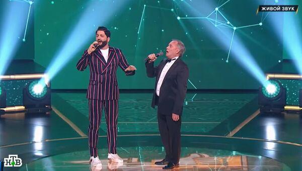 Юсиф Эйвазов спел дуэтом с участником шоу Ты супер 60+ - Sputnik Азербайджан