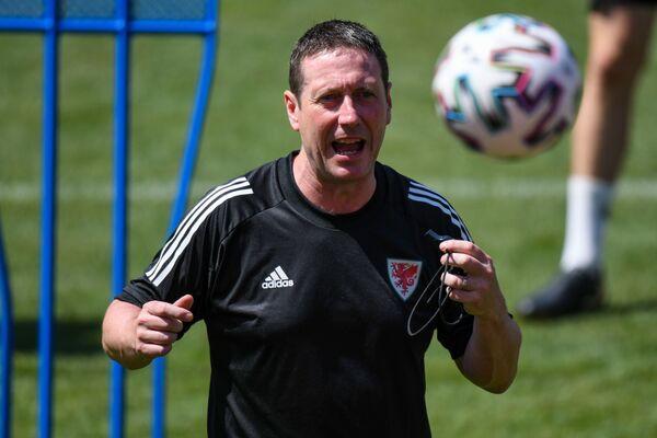 На тренировке перед матчем группового этапа чемпионата Европы по футболу 2020. - Sputnik Азербайджан