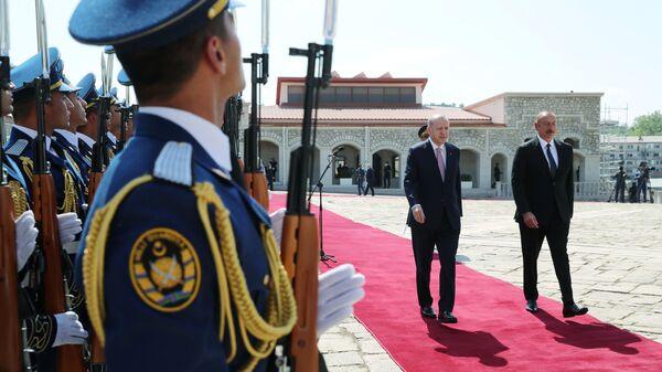Встреча президентов Азербайджана Ильхама Алиева и Турции Реджепа Тайипа Эрдогана в Шуше, 15 июня 2021 года - Sputnik Азербайджан