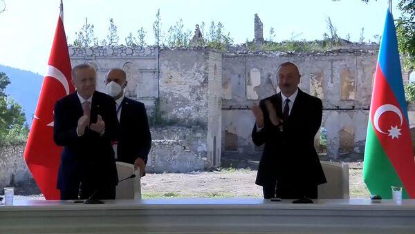 Как Алиев и Эрдоган подписывали декларацию о сотрудничестве – видео - Sputnik Азербайджан
