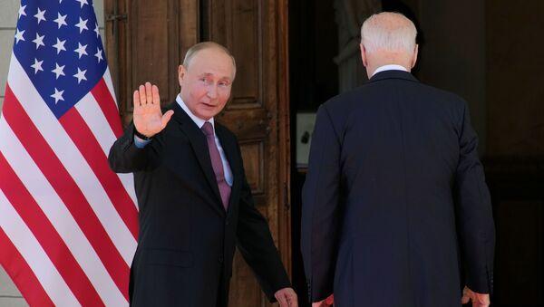Встреча президентов России и США Владимира Путина и Джо Байдена в вилле Ла-Гранж в Женеве, 16 июня 2021 года - Sputnik Азербайджан
