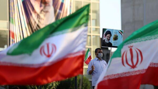 Плакаты кандидата в президенты Ибрагима Раиси - Sputnik Азербайджан