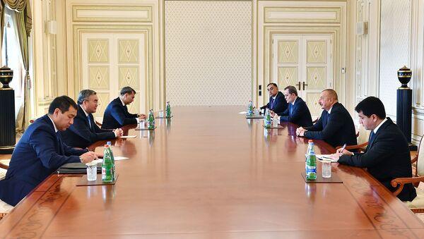 Prezident İlham Əliyev Qazaxıstanın Baş nazirinin müavinini Muxtar Tleuberdını qəbul edib - Sputnik Azərbaycan
