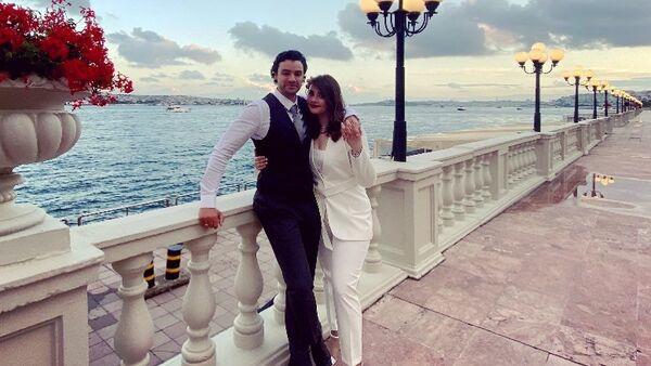 Женившийся на азербайджанской пианистке Суаде Гаджизаде сын голливудского актера Жан-Клода Ван Дамма Крис Ван Дамм  - Sputnik Азербайджан