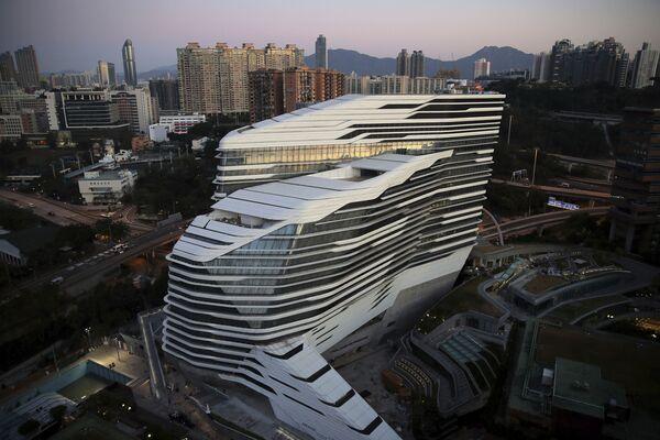 Корпус Jockey Club Innovation Tower Гонконгского политехнического университета - Sputnik Азербайджан