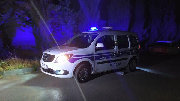 Lənkəranda qətl yerində post-patrul xidmətinin avtomobili - Sputnik Азербайджан