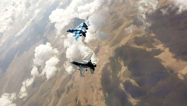 Военные пилоты ВВС Азербайджана успешно участвуют в учениях «Анатолийский орёл – 2021» - Sputnik Азербайджан
