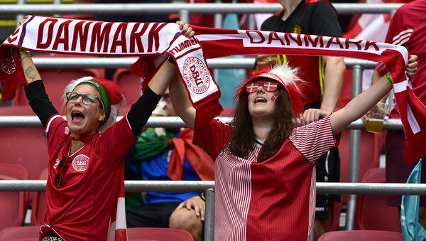Болельщицы сборной Дании на ЕВРО-2020 - Sputnik Азербайджан