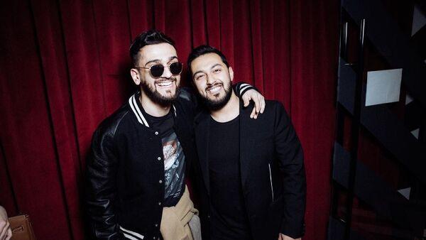Певец Jony (творческий псевдоним Джахида Гусейнли)  с братом Туралом - Sputnik Азербайджан