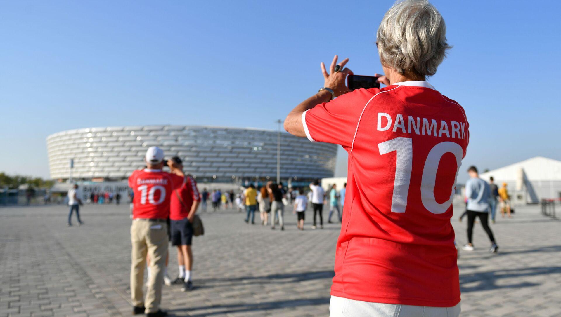 Болельщики сборной Дании возле стадиона ЕВРО-2020 в Баку - Sputnik Азербайджан, 1920, 03.07.2021