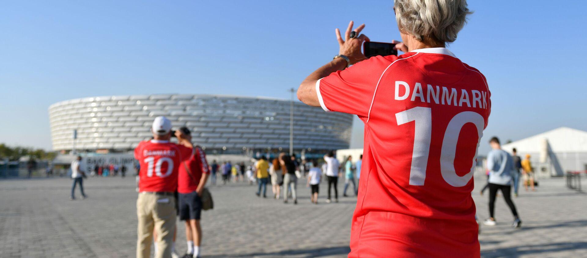 Болельщики сборной Дании возле стадиона ЕВРО-2020 в Баку - Sputnik Азербайджан, 1920, 12.07.2021