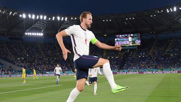 Нападающий сборной Англии Гарри  - Sputnik Azərbaycan