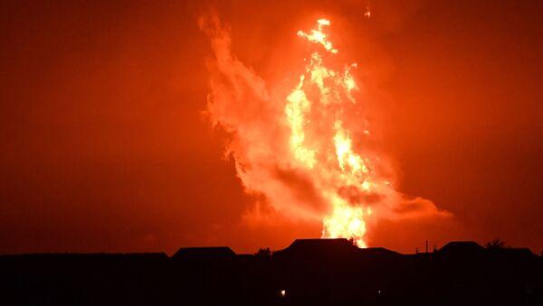 Извержение вулкана на острове Дашлы - Sputnik Азербайджан