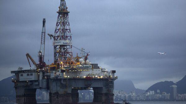 Нефтяная платформа, фото из архива - Sputnik Azərbaycan