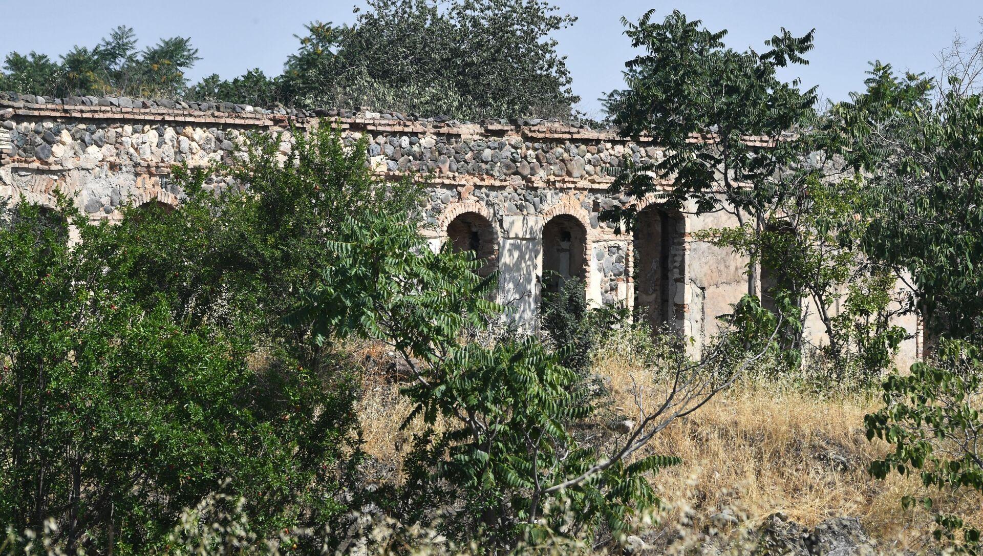 Ağdamda dağılmış tikili - Sputnik Azərbaycan, 1920, 05.09.2021