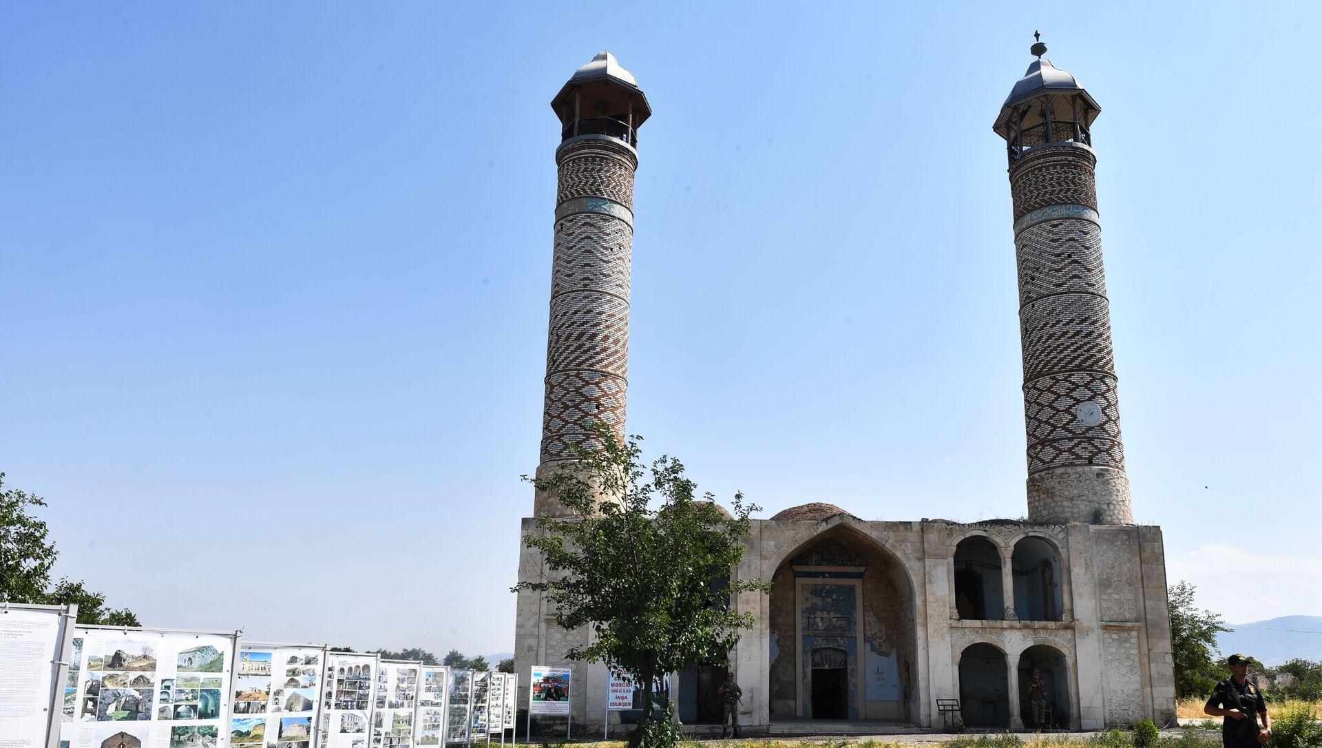 Мечеть Джума в разрушенном городе Агдам. - Sputnik Азербайджан, 1920, 14.08.2021