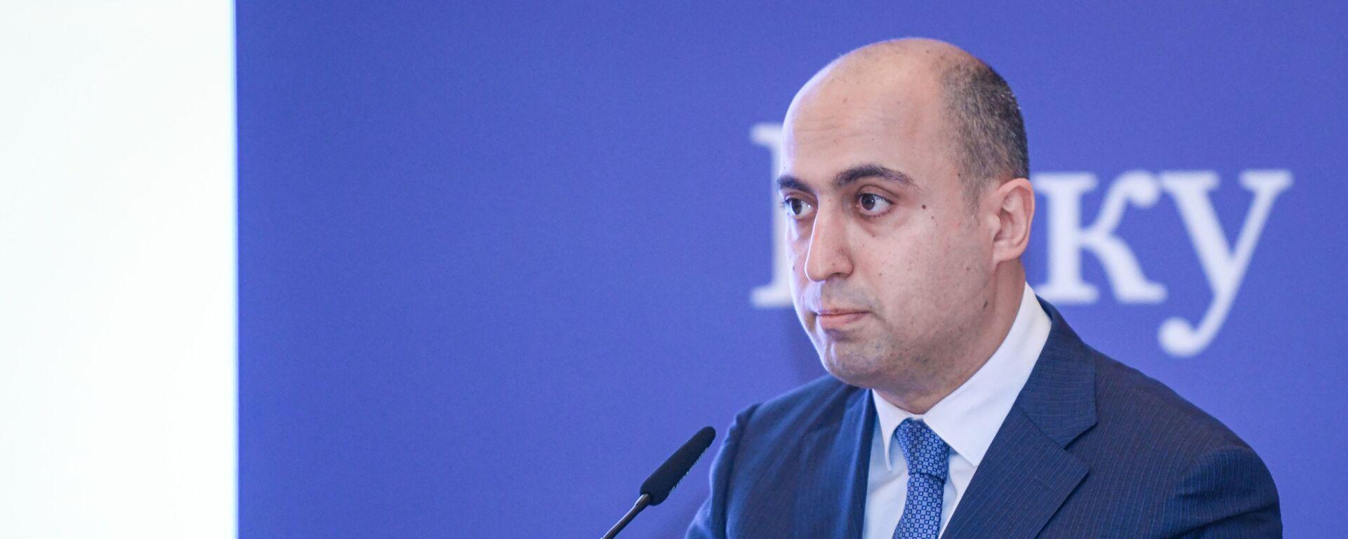 Министр образования Азербайджанской Республики Эмин Амруллаев - Sputnik Azərbaycan, 1920, 10.08.2021