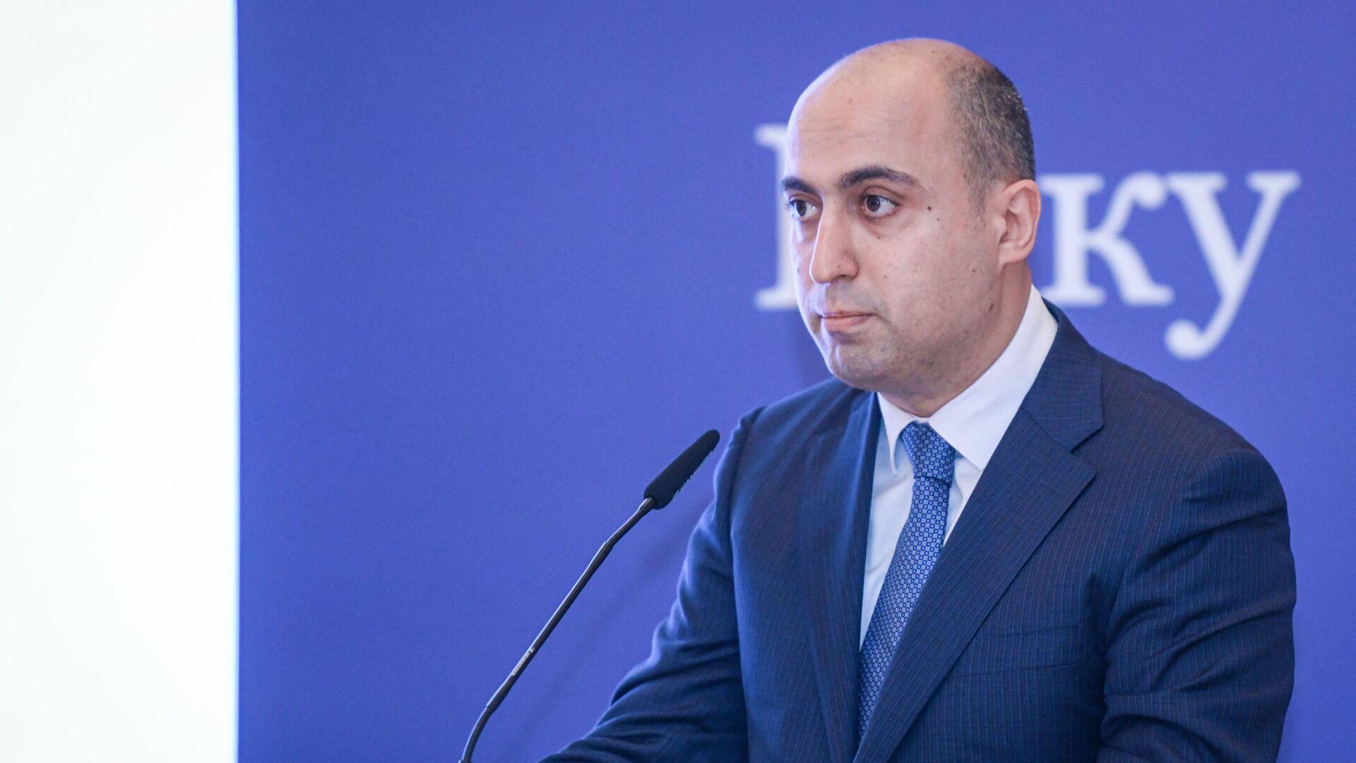 Министр образования Азербайджанской Республики Эмин Амруллаев - Sputnik Azərbaycan, 1920, 06.09.2021