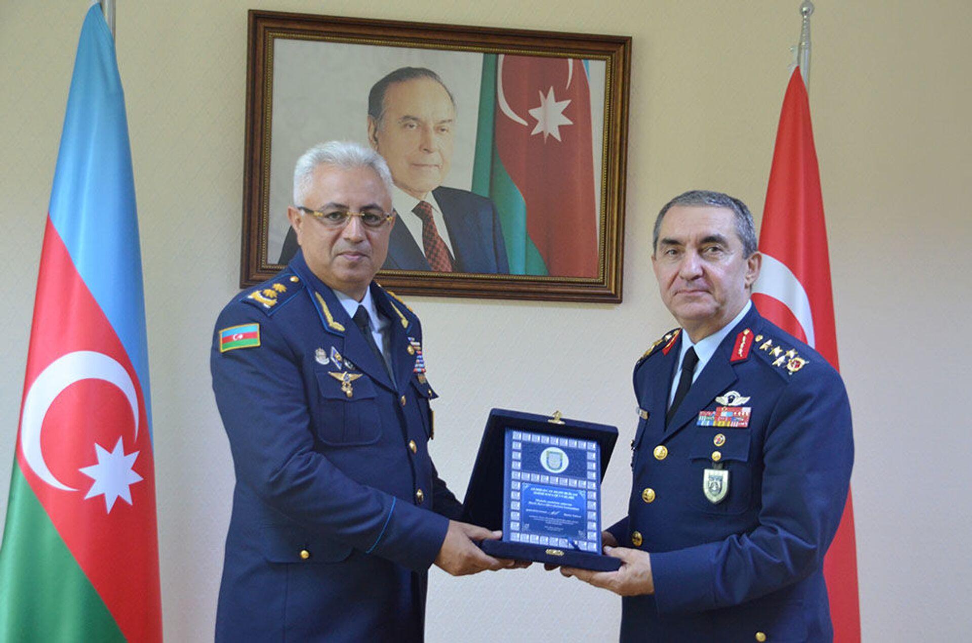 Делегацию ВВС Турции приняли в Минобороны Азербайджана - Sputnik Азербайджан, 1920, 06.07.2021