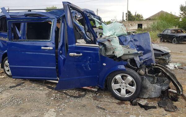 Дорожно-транспортное происшествие на территории села Мюсюслю в Уджаре - Sputnik Азербайджан