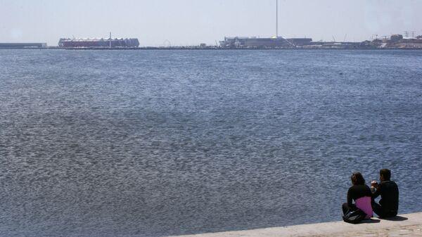 Вид на Каспийское море с бакинского бульвара, фото из архива - Sputnik Azərbaycan