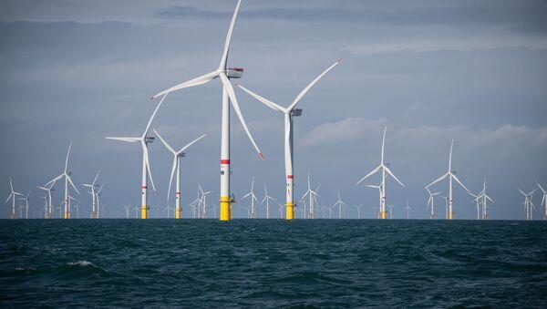 Ветряные электростанции на море, фото из архива - Sputnik Азербайджан
