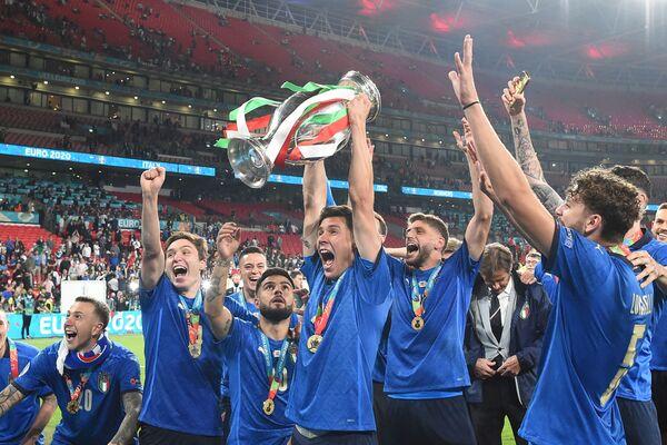 Футболисты сборной Италии - Sputnik Азербайджан