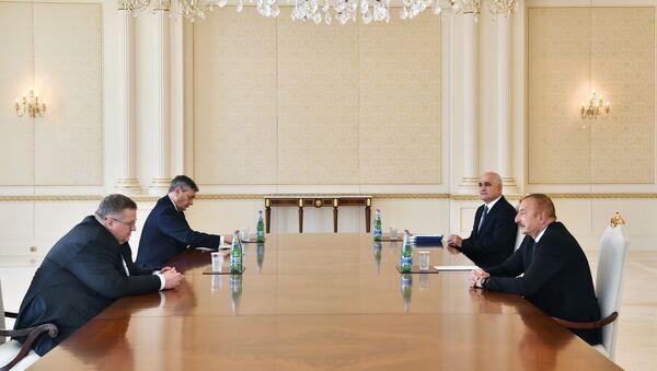 İlham Əliyev iyulun 13-də Rusiya Federasiyasının Baş nazirinin müavini Aleksey Overçuku qəbul edib - Sputnik Азербайджан