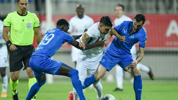 Матч первого квалификационного раунда Лиги чемпионов между бакинским Нефтчи и тбилисским Динамо - Sputnik Azərbaycan