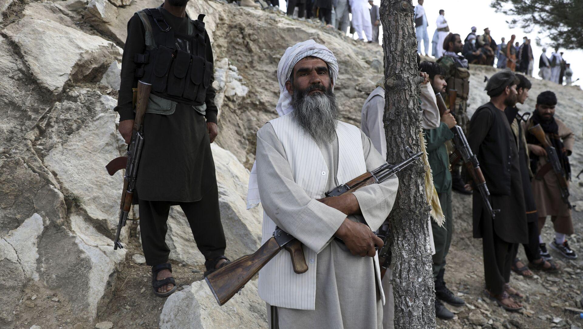 Афганские ополченцы в Кабуле, Афганистан, 3 июня 2021 года. - Sputnik Азербайджан, 1920, 15.07.2021